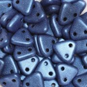 CzechMates Triangle 6mm - Metallic Suede Blue